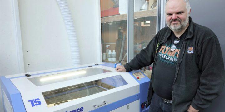 Hoe werk een laser cutter?